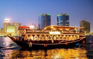 Dhow Cruise Dinner 5 Stars Catering Dubai Creek - Dubai Base